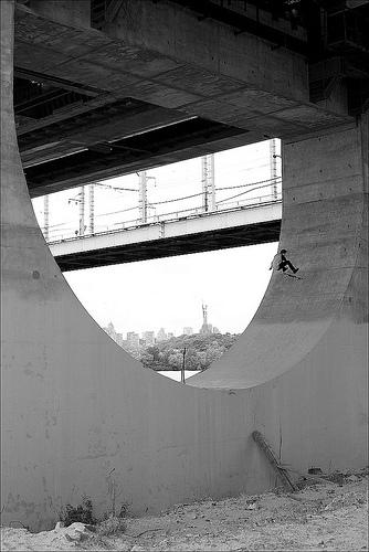 Epic Skate Spot Huge Half Pipe