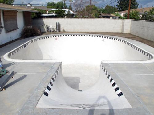 Sick Skateboarding Key Hole Pool